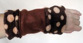 "Armstulpe ""Kuschel-Dots"", 14,90 Euro"
