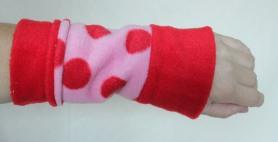 "Armstulpe ""Pinky-Dots"", 14,90 Euro"